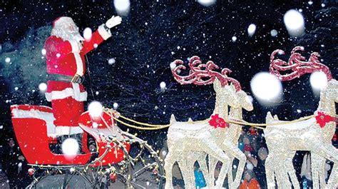 newcastle santa claus parade draws thousands mykawartha com