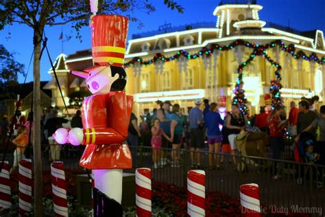 guide to mickey s very merry christmas party at disney