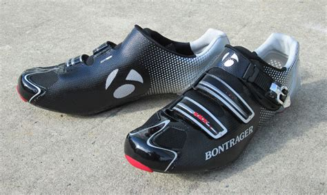 road bike shoes review 2013 bontrager shoes helmets hilo triathlon saddle