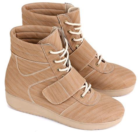 Sepatu Sandal Merk Nevada Uk 36 39 sepatu boots wanita bertali 2017 pin 7c53f717