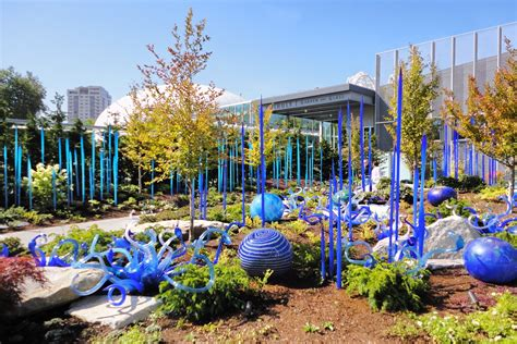 artscapes chihuly s glass garden in seattle