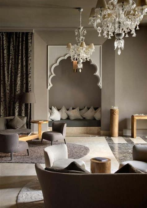 Ordinaire Amenager Son Salon Sejour #6: Aménagement-salon-marocain-design-decoration-marocaine-idée-déco-lustre-baroque.jpg