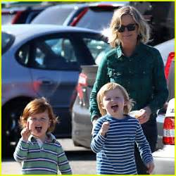 amy poehler sons abel arnett photos news and videos just jared