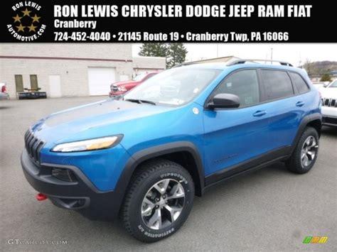 light blue jeep cherokee 2017 hydro blue pearl jeep cherokee trailhawk 4x4