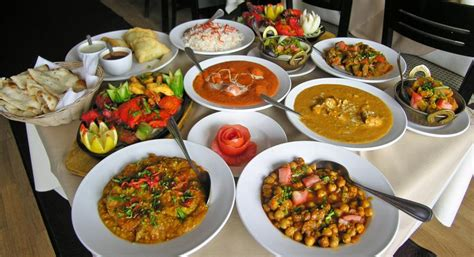 Prissilia Indiana Food Court Table catering in vadodara candle light dinner hotel near airport