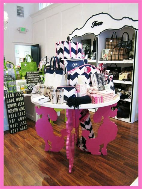 display tables for boutique 25 best ideas about pet store display on pet