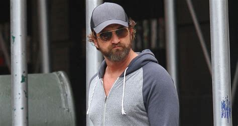 film romantis gerard butler gerard butler gives a first look at his upcoming film