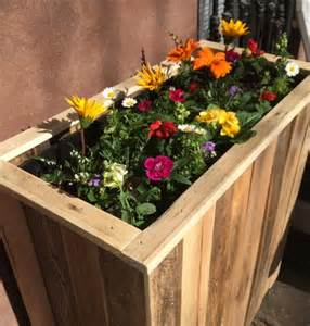pallet planter boxes diy recycled pallet planter box 101 pallets