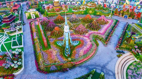 world largest flower garden this is the world s largest flower garden evonews