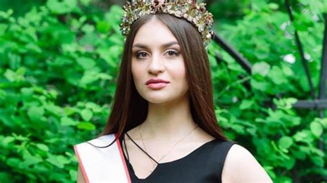 Russian Beauty Pageant Contestants 'tricked' Student Into