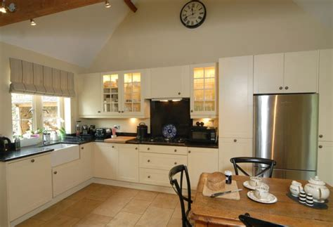 country kitchen longwood premium cotswold cottages rental agency jigsaw holidays