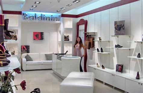 negozio arredamento arredo negozi pelletteria calzature arredamento mensoloni