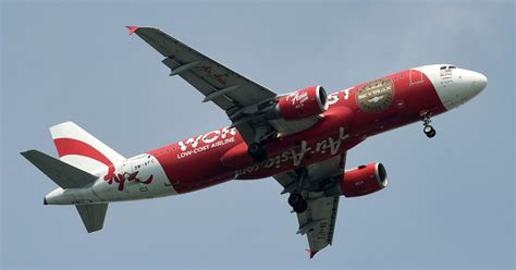 airasia flight from perth to bali plummets 20 000 feet cnn flight crew accused of screaming as plane plummets