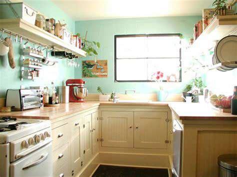 kitchen decorating ideas for a bright new look cozyhouze com mała kuchnia w bloku porady jak zaprojektować