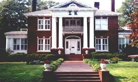 sorority houses 7 things sorority girls won t tell you about being in a sorority her cus
