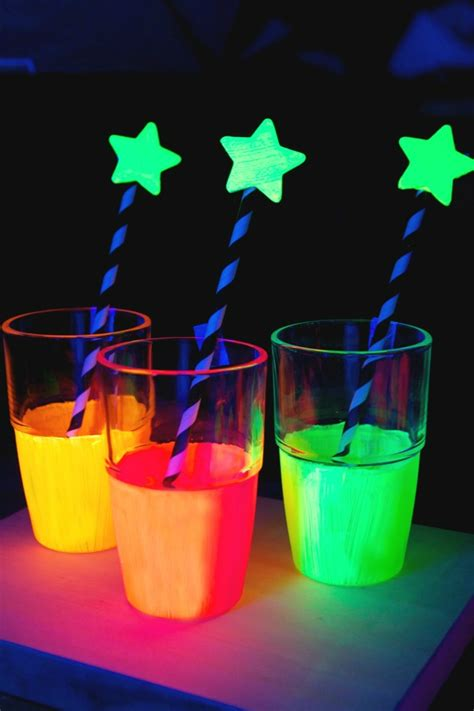 Room Decor For Small Rooms by 10 Super Awesome Glow In The Dark Party Ideas Spaceships