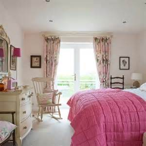pink curtains bedroom pink feminine bedroom bedroom design curtains