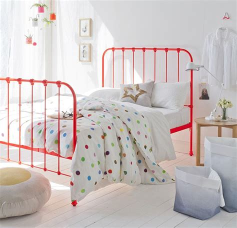 Painted Metal Bed Frame 17 Best Ideas About Painted Iron Beds On Pinterest Chalk Paint Furniture Chalk Paint Diy And