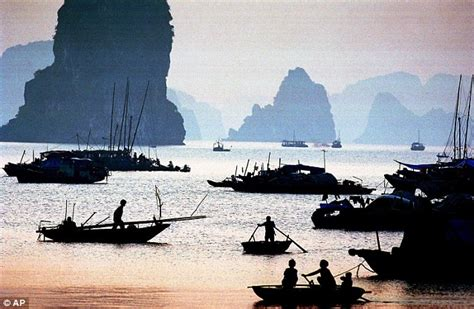 Vietnam Boat Sinks Two Us Tourists Killed Sleeping In | vietnam boat sinks two u s tourists killed sleeping in