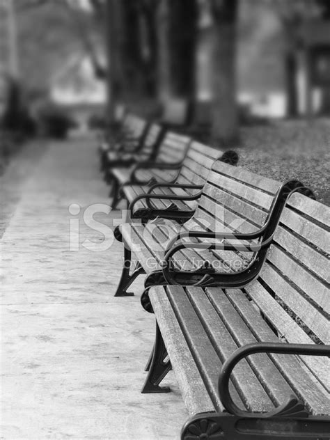paris park bench paris park benches stock photos freeimages com