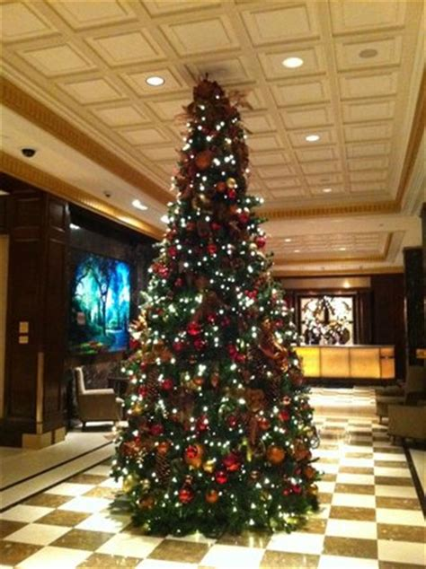christmas tree in the hotel lobby picture of jw marriott