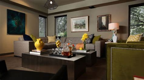 jeff lewis living room love the idea of a darker color scheme with bright pops of