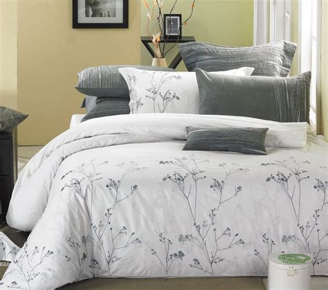 White And Silver Comforter Minimalist Bedroom With White White And Silver Bedding Set