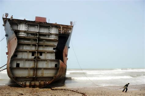 shipping to pakistan world s most dangerous jobs tearing apart ships in