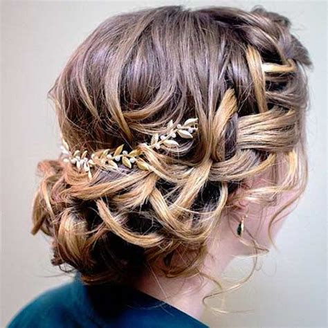 Wedding Hairstyles For Jr Bridesmaids by 25 Bridesmaids Hairstyles For Hair Hairstyles