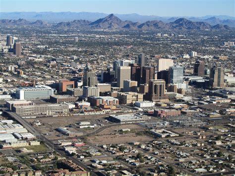 fichier phoenix az downtown from airplane jpg wikip 233 dia