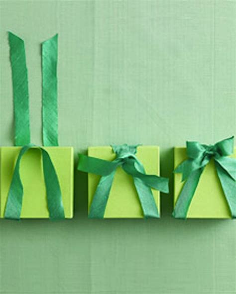 how to tie a christmas bow with ribbon diy bows everyone will