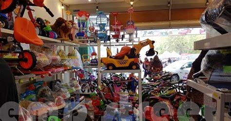 kedai mainan murah  nilai  lotus century emp streetc