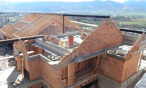 casas pirineo catalan shakira y piqu 233 se construyen una casa en el pirineo