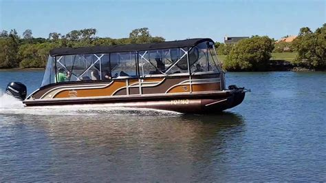 runaway bay pontoon boats for sale runaway bay pontoon boats 28ft tri hull with 300hp mercury