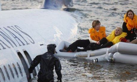 sink or swim after crash landing in the hudson books are class passengers more likely to die in a plane