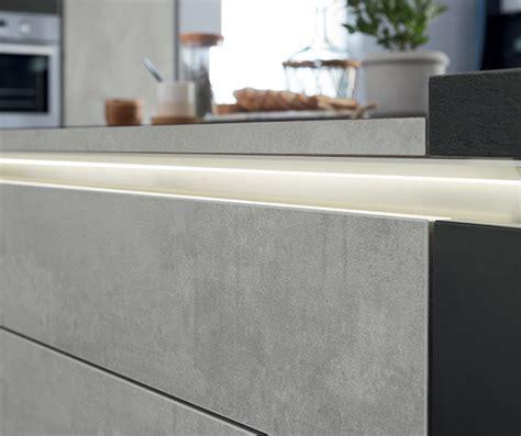 meuble 騁ag鑽e cuisine l 233 clairage dans votre cuisine mobalpa