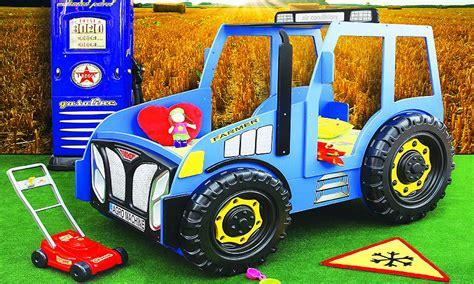 bauanleitung kinderbett auto kinderbett selber bauen traktor tentfox