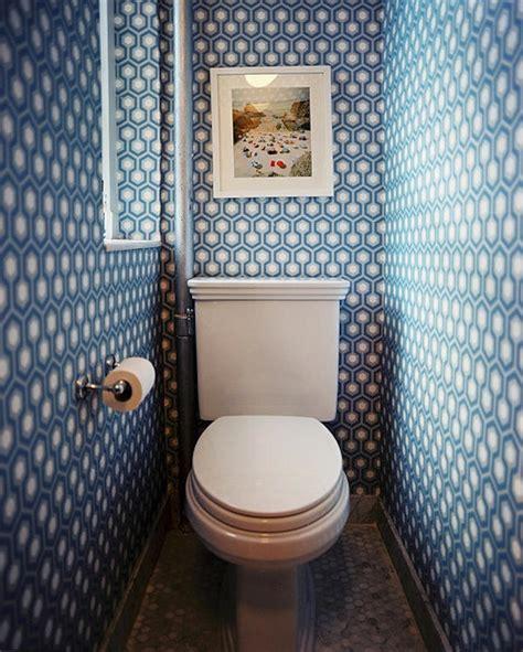 funky wallpapered bathroom decorating ideas to energise tienda online telas papel papeles pintados para la