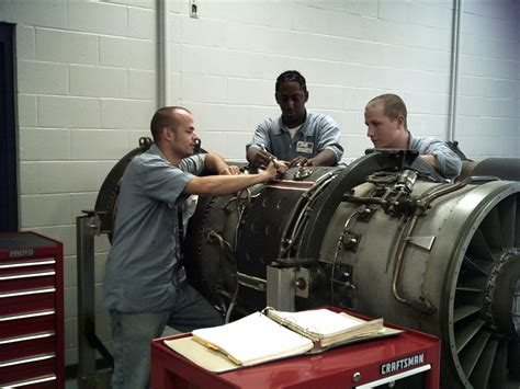 degree overview associate s in airframe and powerplant