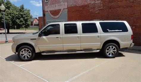 2005 ford six door excursion for sell