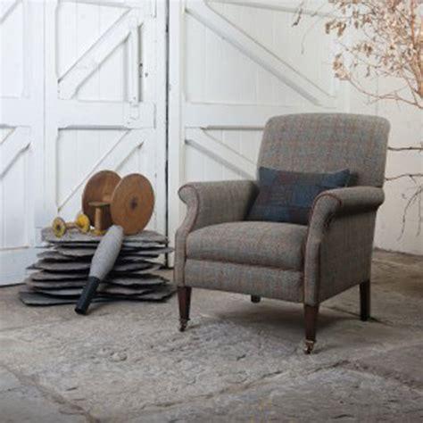 fauteuil anglais en tissu fauteuil anglais bowmore en tissus 100 tweed longfield 1880