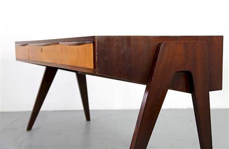 schreibtisch nussbaum mid century modern walnut writing desk by behr m 246 bel