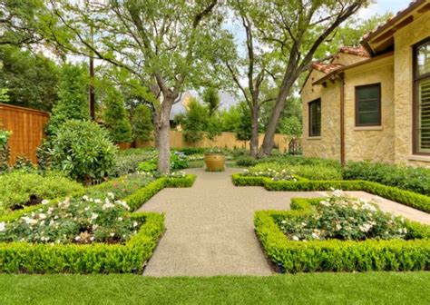 Old Fashioned Bathroom Ideas How To Use Hedges In Contemporary Exteriors