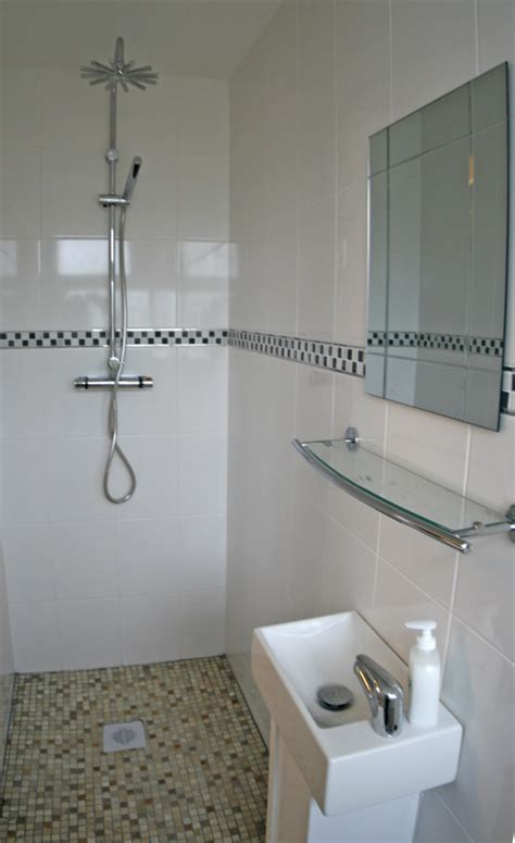 On Suite Bathrooms In Small Spaces by Small Shower Room Ideas For Small Bathrooms Furniture