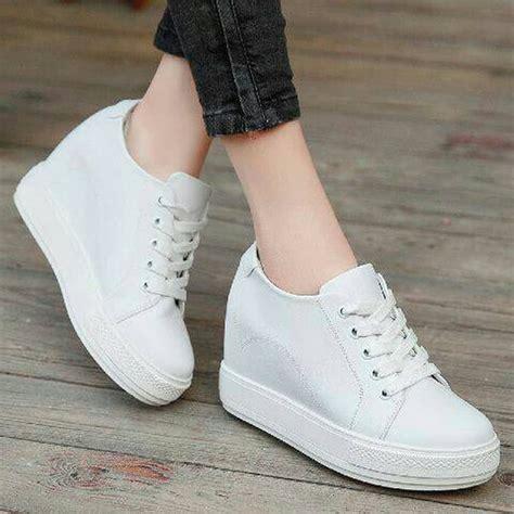 sepatu wanita wedges tali jual sepatu wedges putih tali putih fashion wanita