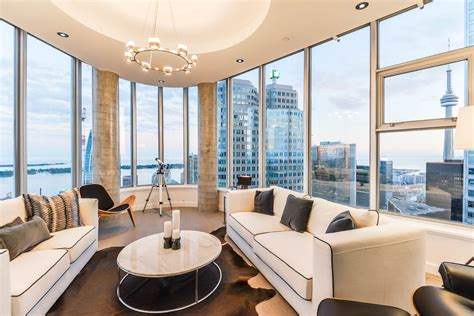 Discover This 3 Level Penthouse