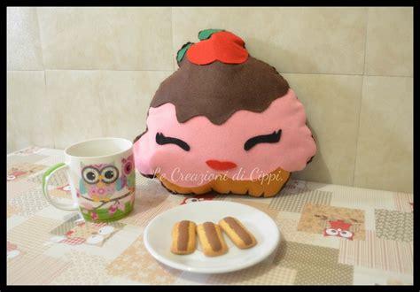 cuscini fatti a mano cuscino cupcakes in pannolenci fatto a mano per la casa