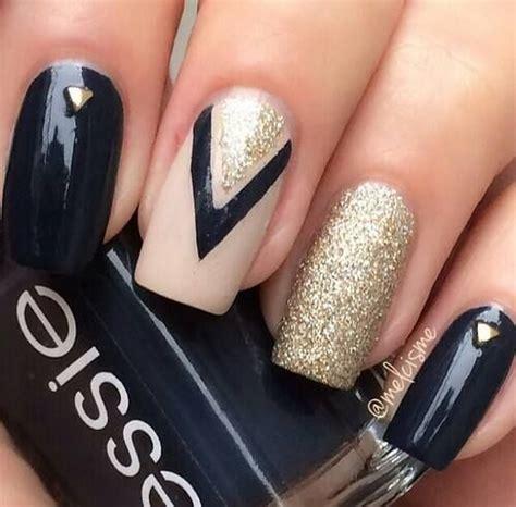 imagenes de uñas oscuras decoradas las 25 mejores ideas sobre u 241 as decoradas con dorado en