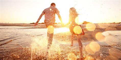 Terbanglah Ke Mana Cinta Membawamu Pico Iyer caption instagram terbaik tentang perjalanan yang penuh cinta