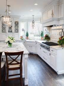 Traditional Kitchens Designs Traditional White Kitchen With Eat In Island Designers Portfolio Hgtv Home Garden